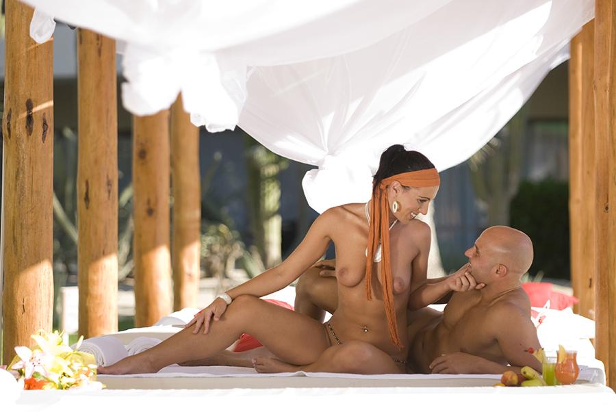 Секс туризм гедонист отель